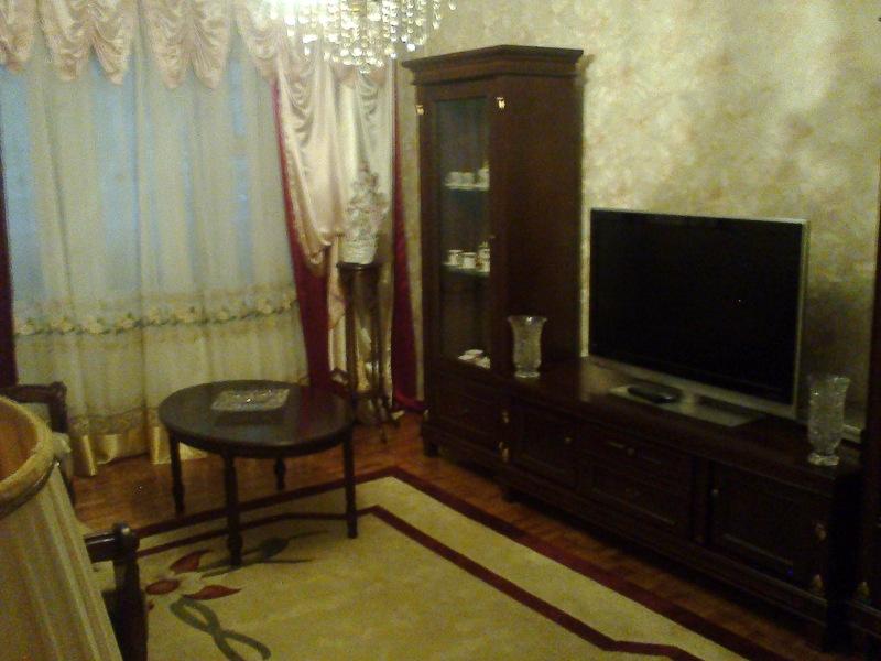 Продаётся  4-комн квартира по ул Доброхотова